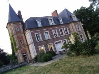 Nice Castle with Internet Access and Central Heating - Saint-Christophe-sur-Conde vacation rentals
