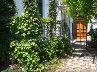 Bright 2 bedroom Townhouse in Minori with Garden - Minori vacation rentals
