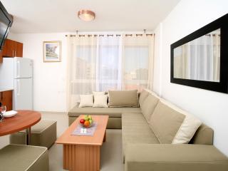 Apartment on yona Henvi st - Tel Aviv vacation rentals