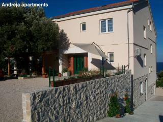 "Apartments Andreja  - ""The purple"" - Primosten vacation rentals"