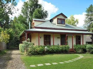 Sandalwood Cottage - Blue Mountains - Wentworth Falls vacation rentals
