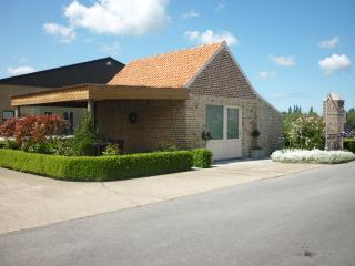 Romantic 1 bedroom Farmhouse Barn in Alveringem - Alveringem vacation rentals