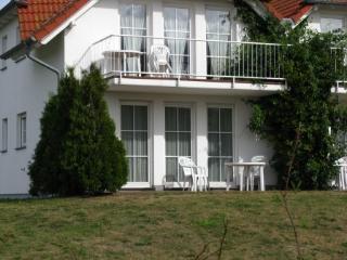 Nice Condo with Deck and Internet Access - Neddesitz vacation rentals