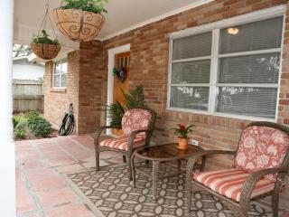 Cocoa's Cottage--Home away from home! Pet Friendly - Pass Christian vacation rentals