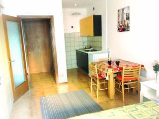 1 bedroom Apartment with Balcony in Trento - Trento vacation rentals