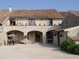 Chambres d'Hôtes Chez Catharina - Bar-le-Duc vacation rentals