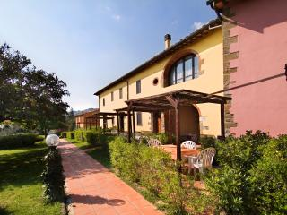 RESIDENCE SAN MINIATO - Independent apartment - Loro Ciuffenna vacation rentals