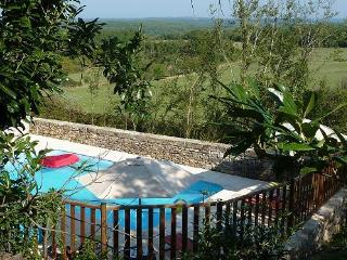 Nice Bed and Breakfast with Internet Access and Garden - Penne vacation rentals