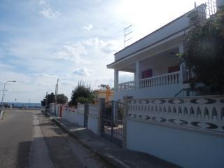 Appartamento in villa a 50 metri dal mare Salento - Pulsano vacation rentals