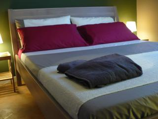 Terranova Romance Room - Nesso vacation rentals