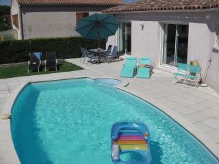 Blue House - Montagnac vacation rentals