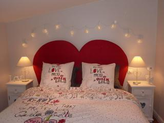 Romantic 1 bedroom Bed and Breakfast in Penne - Penne vacation rentals