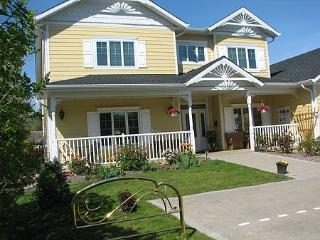 1 bedroom Bed and Breakfast with Internet Access in Kelowna - Kelowna vacation rentals