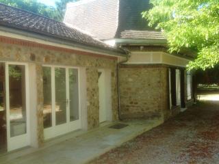 petite maison dans la campagne - Meaux vacation rentals