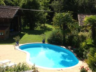 Bright 2 bedroom Captieux Gite with Internet Access - Captieux vacation rentals