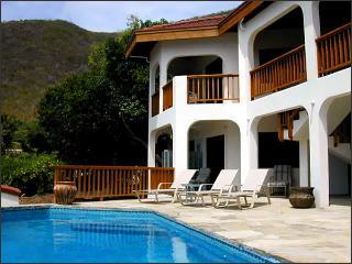 Bright 3 bedroom Villa in Mahoe Bay with Internet Access - Mahoe Bay vacation rentals