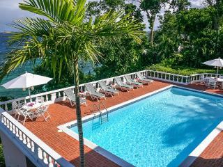 Bright 5 bedroom Villa in Ocho Rios - Ocho Rios vacation rentals
