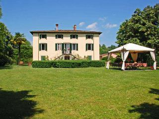 Villa Clara, Sleeps 20 - Lucca vacation rentals