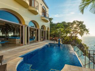 Villa Luna Creciente, Sleeps 8 - Quimixto vacation rentals