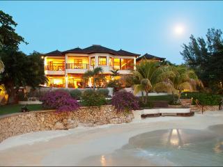 Makana on Discovery Bay, Sleeps 12 - Discovery Bay vacation rentals