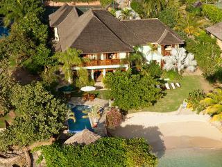 Whispering Waters, Discovery Bay 7BR - Runaway Bay vacation rentals