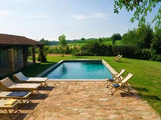 Bright 5 bedroom Montepulciano Villa with Internet Access - Montepulciano vacation rentals