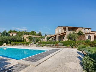 Comfortable 6 bedroom Villa in Gordes with DVD Player - Gordes vacation rentals