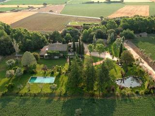 Comfortable Villa with Internet Access and Central Heating - la Bisbal d'Emporda vacation rentals