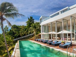 Villa Beige, Sleeps 8 - Taling Ngam vacation rentals