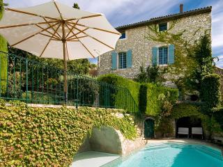 Terrasse des Alpilles, Sleeps 14 - Eygalieres vacation rentals