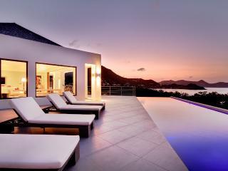 2 bedroom Villa with Internet Access in Camaruche - Camaruche vacation rentals