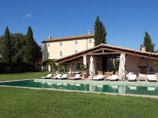 Casale Cerfoglio, Sleeps 18 - Todi vacation rentals