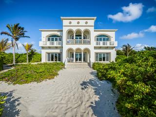 Casa Del Mar Bonito, Sleeps 8 - Playa del Secreto vacation rentals