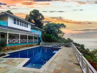 Bright 8 bedroom Villa in Ocho Rios - Ocho Rios vacation rentals