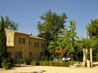 Source Cachee, Sleeps 8 - Saint-Remy-de-Provence vacation rentals