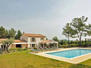 Bright 5 bedroom Eygalieres Villa with A/C - Eygalieres vacation rentals