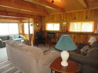 2 bedroom Cottage with Deck in Alpena - Alpena vacation rentals