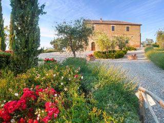 Villa Montepulciano, Sleeps 15 - Montepulciano vacation rentals