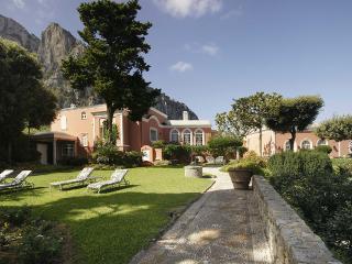 Villa Le Camelia, Sleeps 18 - Capri vacation rentals