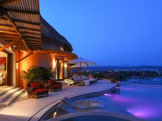 Casa Paloma Blanca, Sleeps 12 - La Cruz de Huanacaxtle vacation rentals
