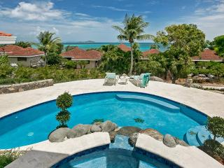 Lovely Villa with Internet Access and Garage - Mahoe Bay vacation rentals