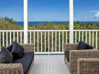 La Mer Azure, Sleeps 6 - Dunmore Town vacation rentals