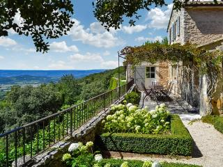 Les Restanques de Bonnieux, Sleeps 13 - Luberon vacation rentals