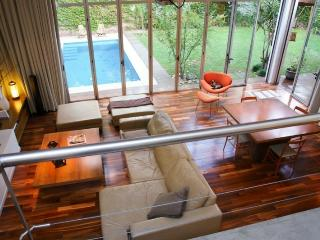 Casa Unica, 3 BR with garden and pool - Buenos Aires vacation rentals
