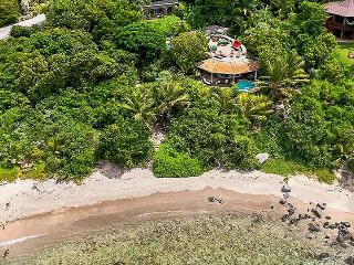 Romantic Villa with Internet Access and Dishwasher - Nail Bay vacation rentals