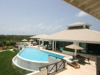 Nice 3 bedroom Rendezvous Bay Villa with Internet Access - Rendezvous Bay vacation rentals