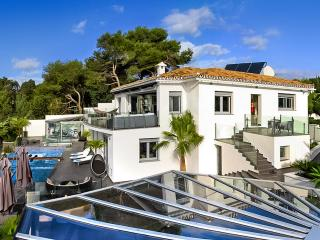 Villa Mirage, Sleeps 9 - La Cala de Mijas vacation rentals