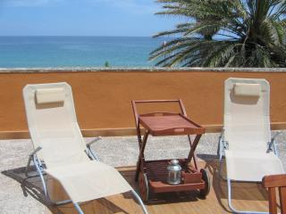 Villa Anfitrite on the sea, fully furnished, wifi - Avola vacation rentals