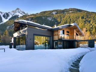 Chalet Dalmore, Sleeps 10 - Chamonix vacation rentals