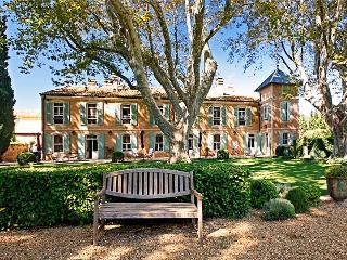 La Grande Bastide, Sleeps 25 - Raphele-les-Arles vacation rentals